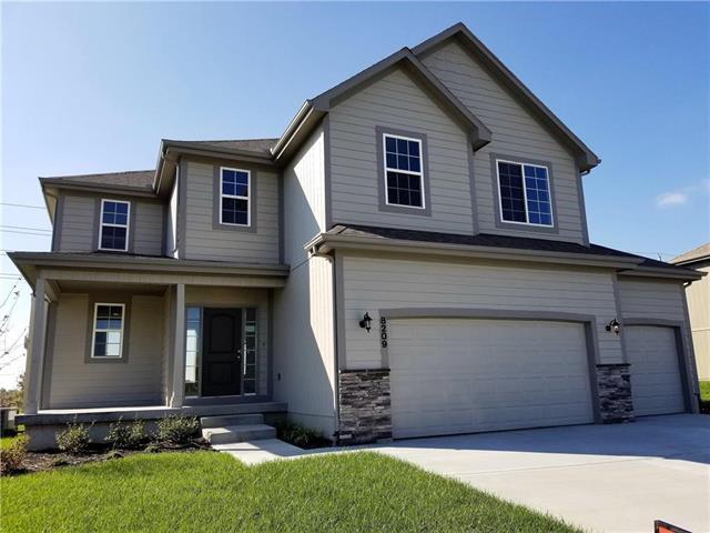 8209 SE 5th Street, Blue Springs, MO 64014 (#2103605) :: Edie Waters Network