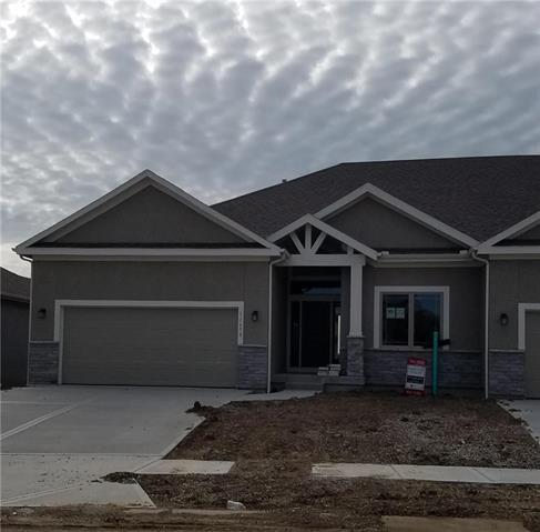 11650 S Deer Run Street, Olathe, KS 66061 (#2105156) :: House of Couse Group