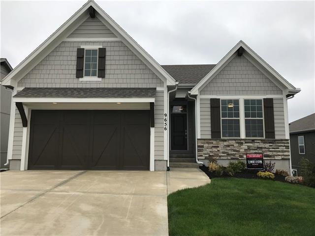 9656 Brockway Street, Lenexa, KS 66220 (#2109047) :: Eric Craig Real Estate Team