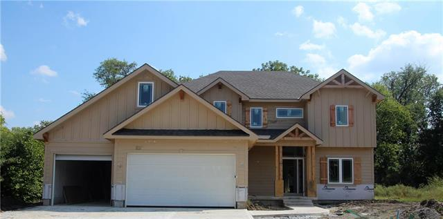 1403 NW Red Oak Court, Grain Valley, MO 64029 (#2109726) :: Char MacCallum Real Estate Group