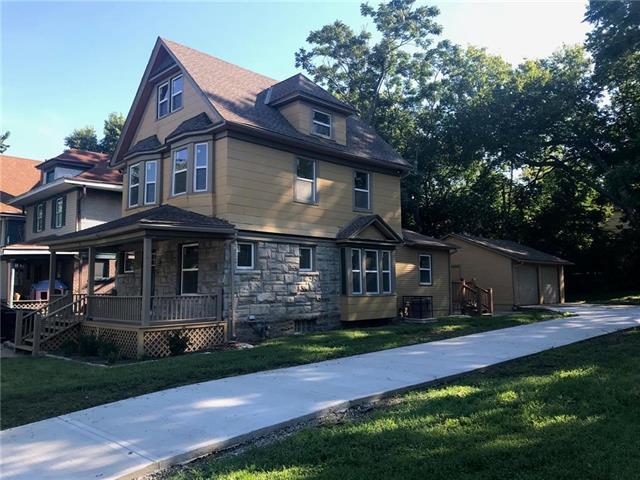 3333 Charlotte Street, Kansas City, MO 64109 (#2109986) :: Char MacCallum Real Estate Group