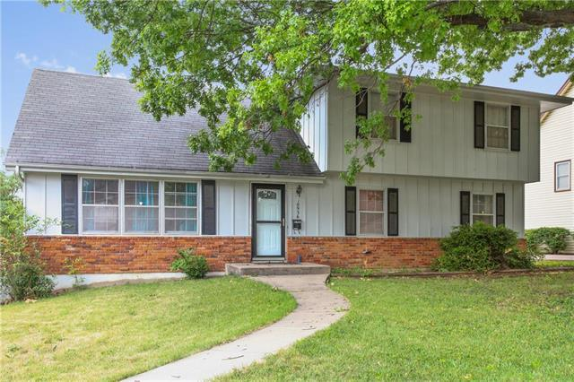 10936 Cleveland Avenue, Kansas City, MO 64137 (#2110269) :: Edie Waters Network