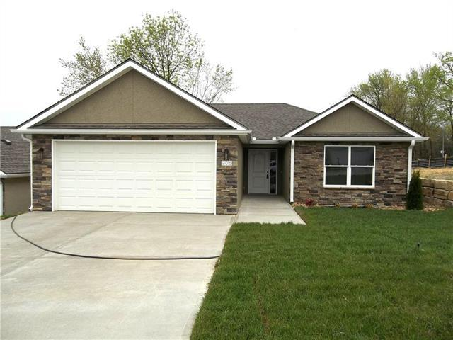 905 Ingleside Drive, Pleasant Hill, MO 64080 (#2112727) :: Team Real Estate