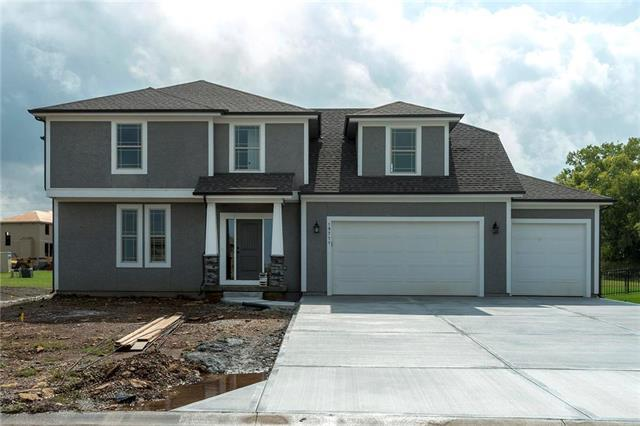19711 W 197th Court, Spring Hill, KS 66083 (#2120619) :: Edie Waters Network