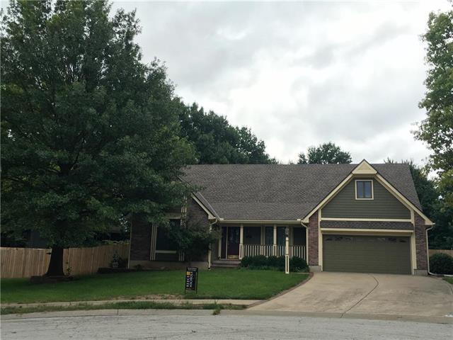 1203 Holly Avenue, Harrisonville, MO 64701 (#2124216) :: The Gunselman Team