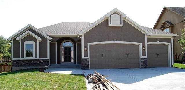5803 NW 108th Court, Kansas City, MO 64154 (#2128721) :: The Shannon Lyon Group - ReeceNichols