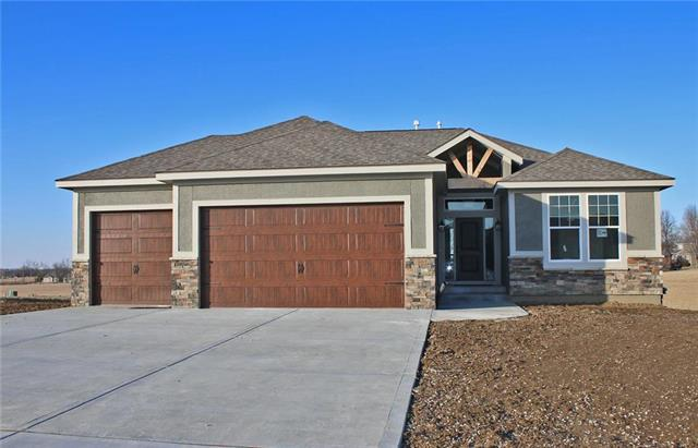 15520 Lakeside Drive, Basehor, KS 66007 (#2128966) :: The Gunselman Team