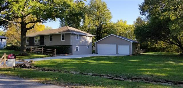 24207 W 86 Terrace, Lenexa, KS 66227 (#2132279) :: Edie Waters Network