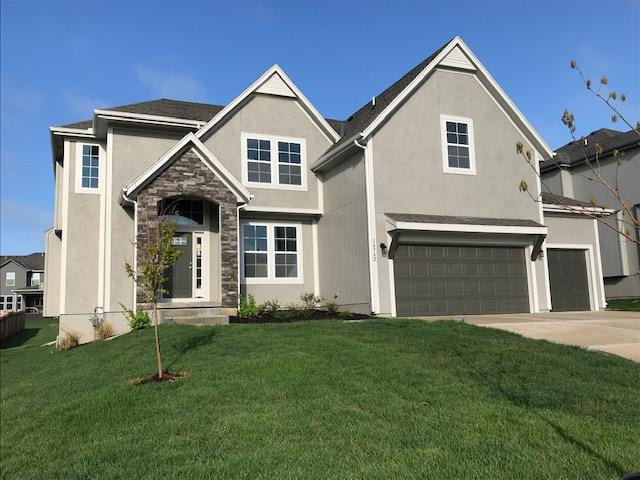 10762 S Race Street, Olathe, KS 66061 (#2133974) :: The Shannon Lyon Group - ReeceNichols