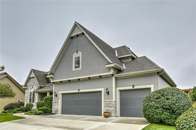 8104 Longview Road, Lenexa, KS 66220 (#2134539) :: Team Real Estate
