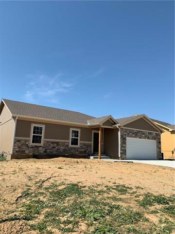10600 Augusta Drive, Kansas City, KS 66109 (#2134601) :: House of Couse Group