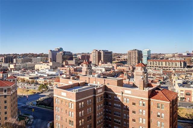 221 W 48th #1502 Street, Kansas City, MO 64112 (#2139093) :: Clemons Home Team/ReMax Innovations