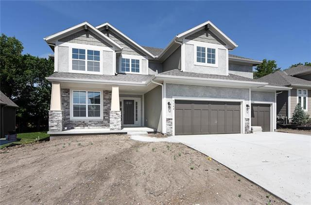 9146 Shady Bend Road, Lenexa, KS 66227 (#2141125) :: The Shannon Lyon Group - ReeceNichols
