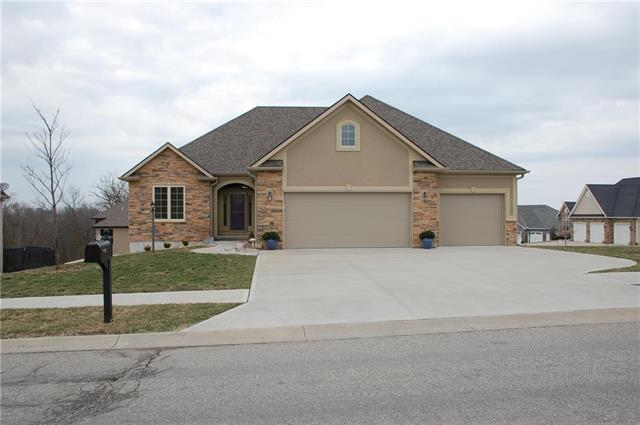 4305 Greystone Drive, St Joseph, MO 64505 (#2145359) :: Team Real Estate