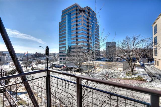 4531 Madison Avenue, Kansas City, MO 64111 (#2145541) :: Eric Craig Real Estate Team