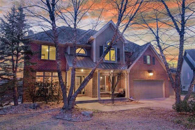8216 Deer Run Street, Lenexa, KS 66220 (#2146786) :: House of Couse Group