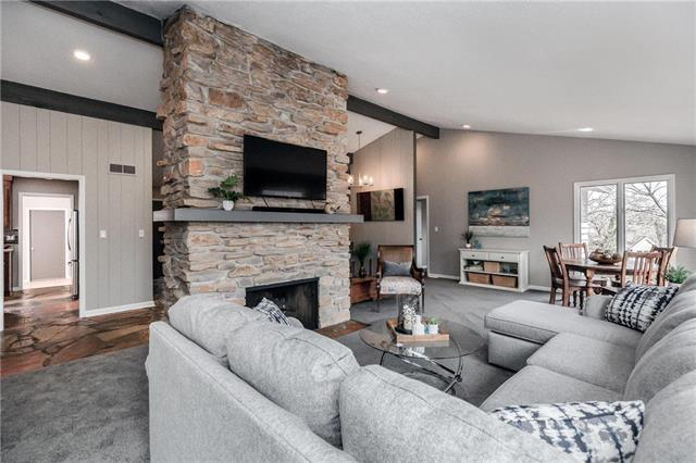 288 W Terrace Trail Street, Lake Quivira, KS 66217 (#2155431) :: House of Couse Group