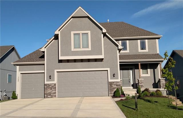 722 S Franklin Street, Raymore, MO 64083 (#2156964) :: House of Couse Group