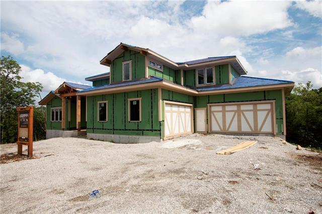 21229 W 94th Terrace, Lenexa, KS 66220 (#2162077) :: House of Couse Group