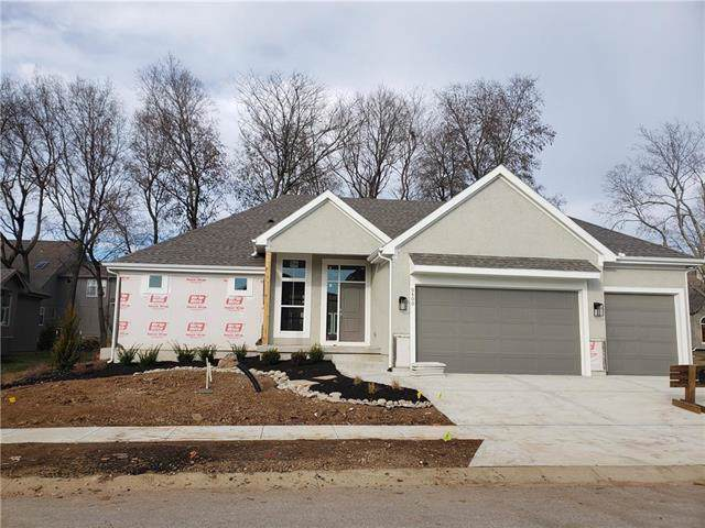 10600 W 132nd Place, Overland Park, KS 66213 (#2163023) :: Clemons Home Team/ReMax Innovations