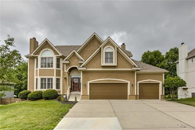 3908 SW Granite Lane, Lee's Summit, MO 64082 (#2169307) :: House of Couse Group