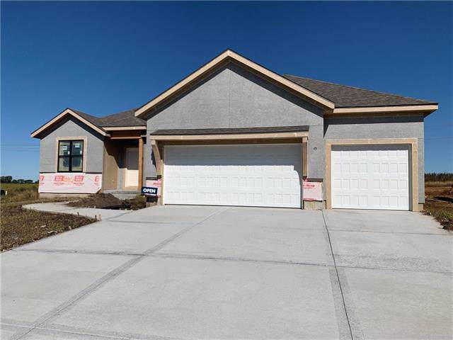 20912 W 189th Street, Spring Hill, KS 66083 (#2179310) :: House of Couse Group