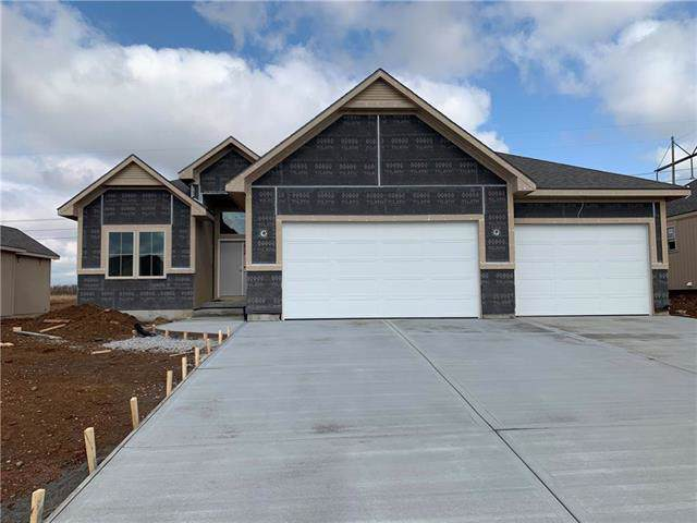 20904 W 189th Street, Spring Hill, KS 66083 (#2179418) :: House of Couse Group
