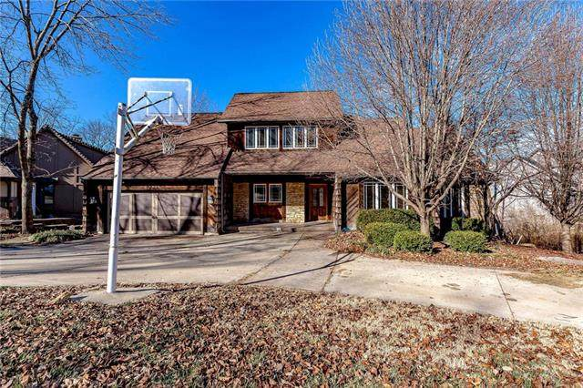 15900 Meadow Lane, Overland Park, KS 66224 (#2203309) :: Audra Heller and Associates