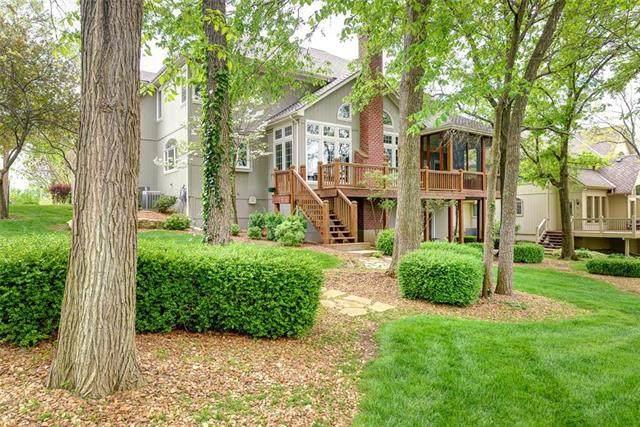 9336 Redbud Lane, Lenexa, KS 66220 (#2219283) :: Jessup Homes Real Estate | RE/MAX Infinity