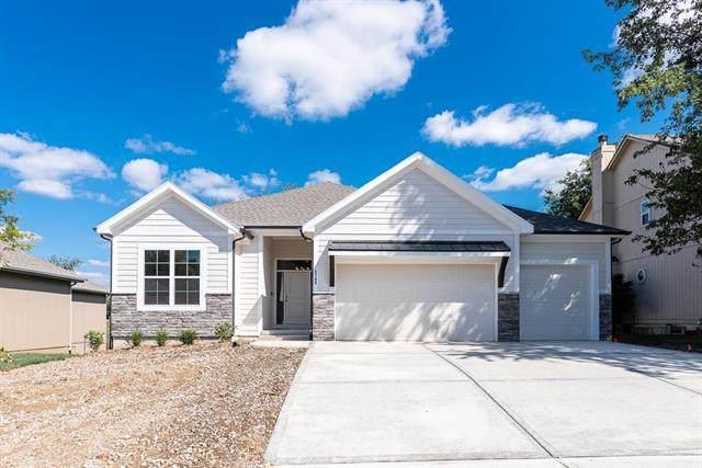 4769 Lakecrest Drive, Shawnee, KS 66218 (#2221757) :: Ron Henderson & Associates
