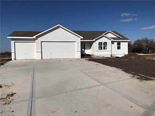 19608 W 197th Street, Spring Hill, KS 66083 (#2242407) :: House of Couse Group
