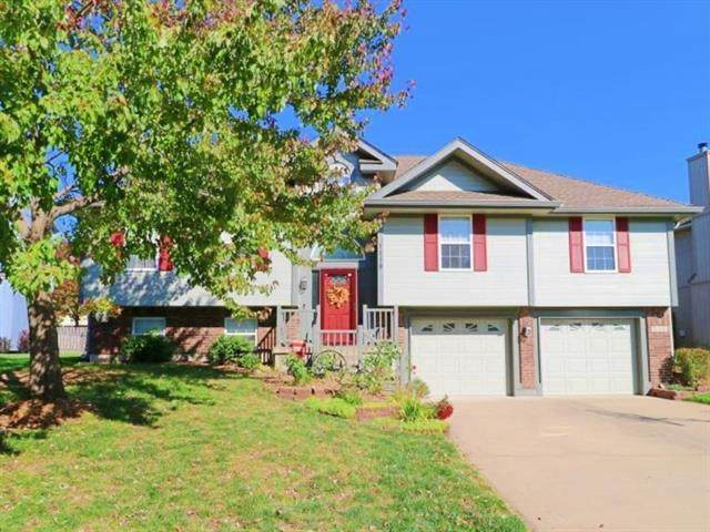 1119 SW Santa Fe Drive, Lee's Summit, MO 64081 (#2246250) :: Edie Waters Network