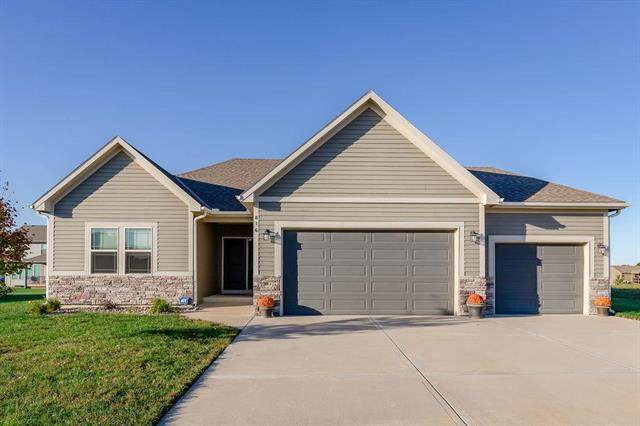 816 W Solomon Drive, Lone Jack, MO 64086 (#2247554) :: Ask Cathy Marketing Group, LLC