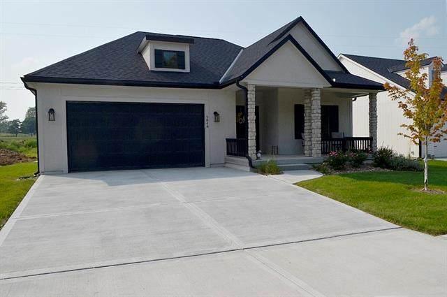 9840 N Montclair Avenue, Kansas City, MO 64154 (#2323695) :: The Shannon Lyon Group - ReeceNichols