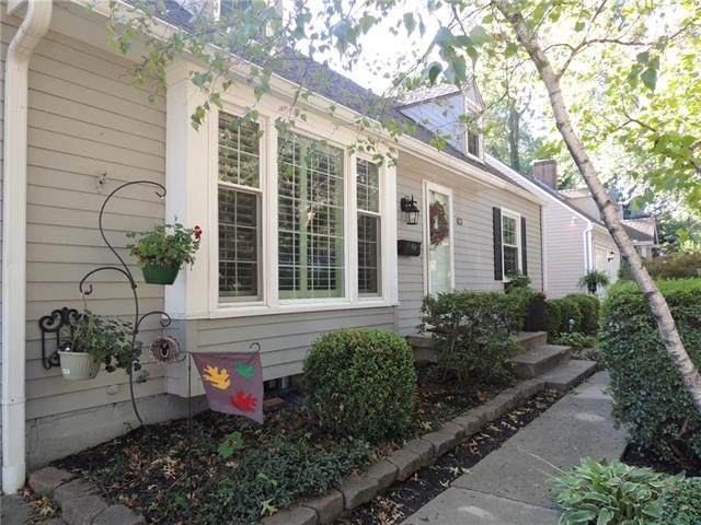 7115 Buena Vista Street, Prairie Village, KS 66208 (#2342789) :: Austin Home Team