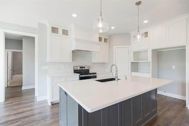 8485 Primrose Street, De Soto, KS 66018 (#2343885) :: Tradition Home Group | Compass Realty Group