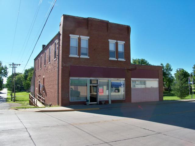 200 S Union Street, Mclouth, KS 66054 (#1835311) :: Carrington Real Estate Services