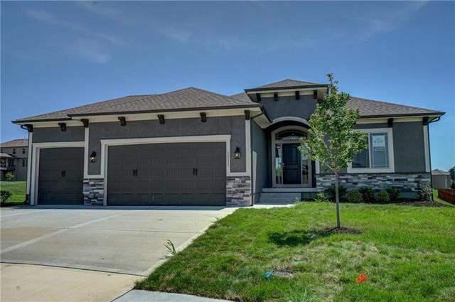 1211 Cothran Court, Raymore, MO 64083 (#2056038) :: Char MacCallum Real Estate Group