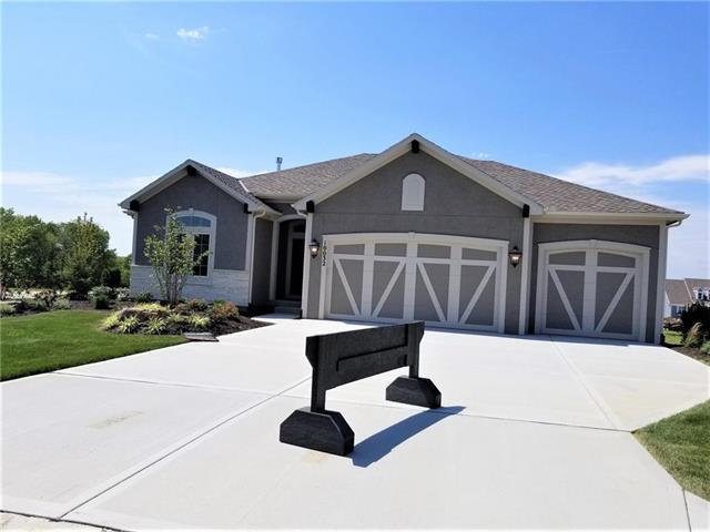 10032 Dobbs Street, Olathe, KS 66061 (#2079659) :: No Borders Real Estate