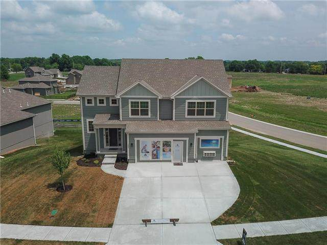 1005 NE Copperwood Drive, Lee's Summit, MO 64086 (#2084267) :: Dani Beyer Real Estate