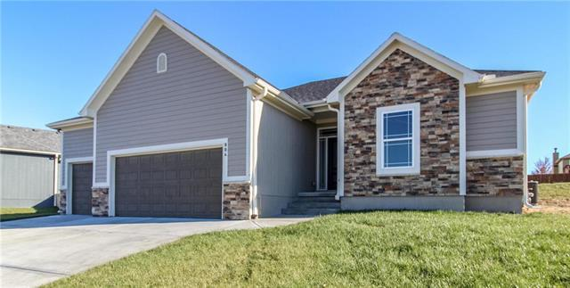 804 Wright Street, Pleasant Hill, MO 64080 (#2094670) :: No Borders Real Estate