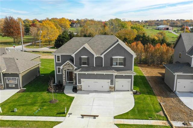1529 Grandshire Drive, Raymore, MO 64083 (#2096064) :: No Borders Real Estate