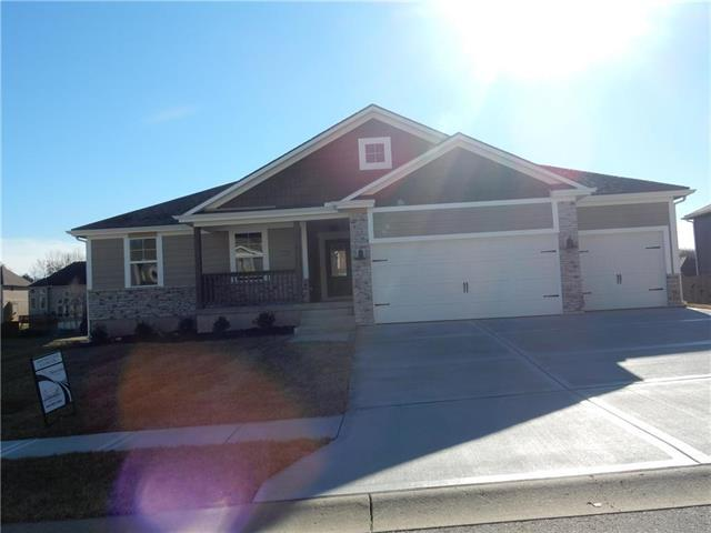 25301 E 30th Street, Blue Springs, MO 64015 (#2096672) :: House of Couse Group