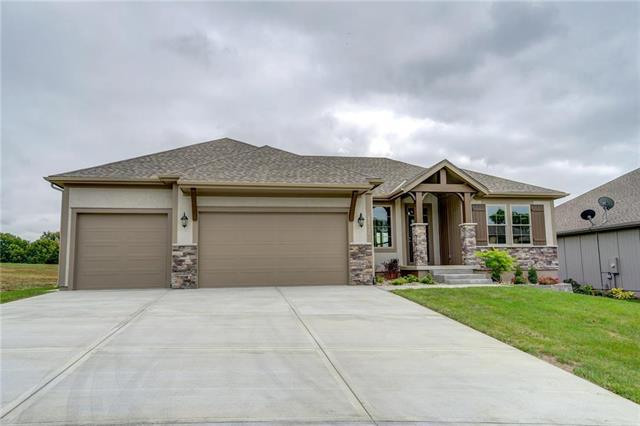 22506 Lincoln Street, Spring Hill, KS 66083 (#2097502) :: The Shannon Lyon Group - ReeceNichols