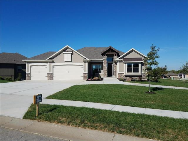 22512 E 43rd Court, Blue Springs, MO 64015 (#2102526) :: House of Couse Group