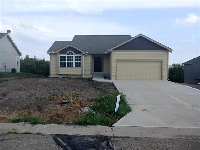 215 Meadowbrook Lane, Wellsville, KS 66092 (#2102706) :: Char MacCallum Real Estate Group