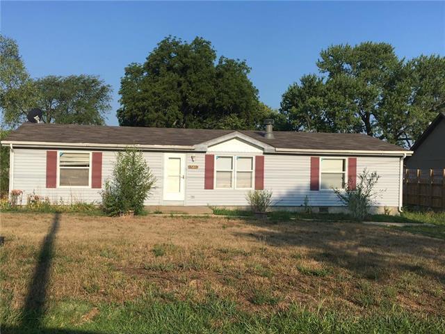 15374 Gardner East Road, Gardner, KS 66030 (#2112733) :: No Borders Real Estate