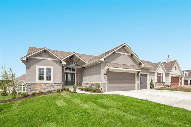 10030 S Lakota Street, Olathe, KS 66061 (#2127769) :: House of Couse Group