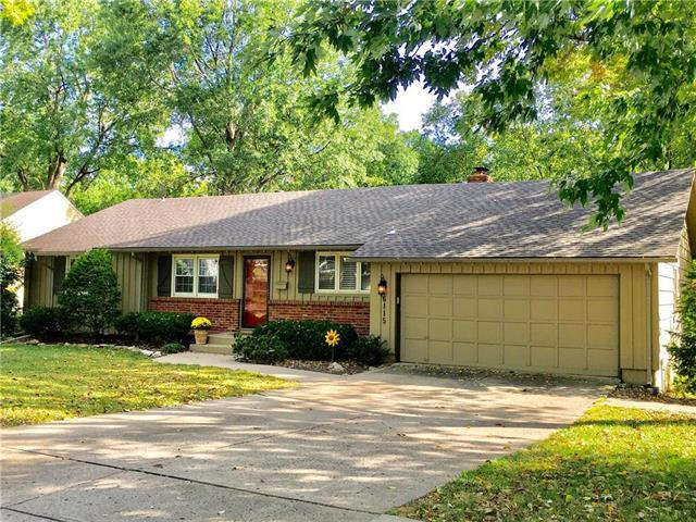 6115 W 85th Street, Overland Park, KS 66207 (#2130659) :: Char MacCallum Real Estate Group