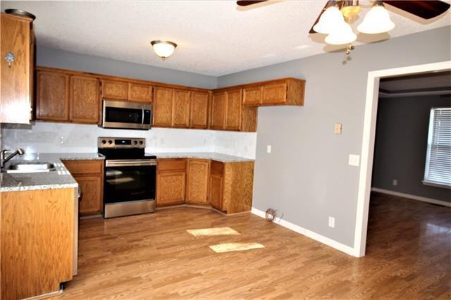 805 E 15th Street, Kearney, MO 64060 (#2138465) :: Char MacCallum Real Estate Group